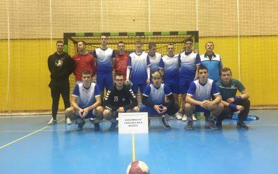 Rokometna ekipa ETrŠ se je uvrstila v polfinale